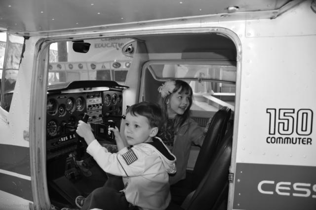 Cessna B&W